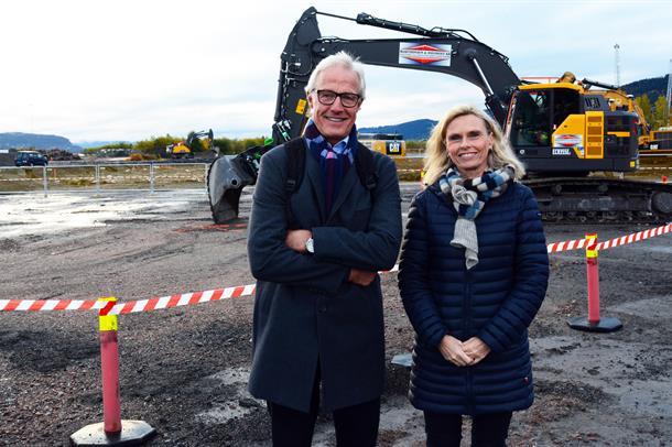 Styreleder Torbjørn Amlid og administrerende direktør Lisbeth Sommervoll gleder seg over byggestarten i Drammen.